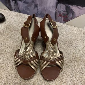 Gold and brown wedges